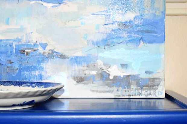closeupbluetable-Wingard-The-Water22